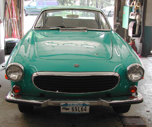 71 Volvo P1800 getting serviced at Van's Garage